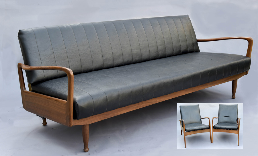 Exceptional Greaves & Thomas Sofa Bed With Two Lounge Chairs.