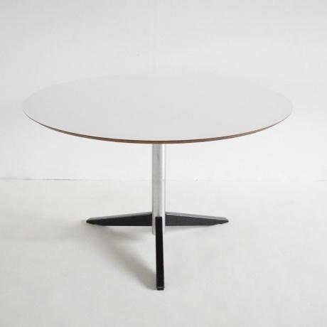 Martin Visser Te06 Table