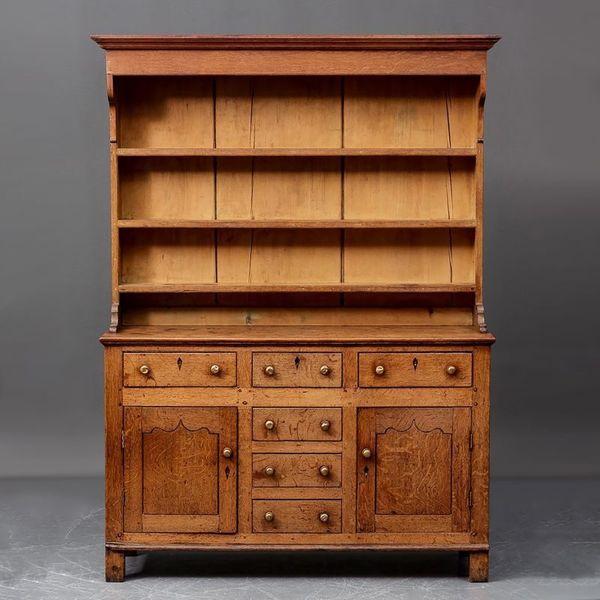 Georgian Oak Dresser photo 1