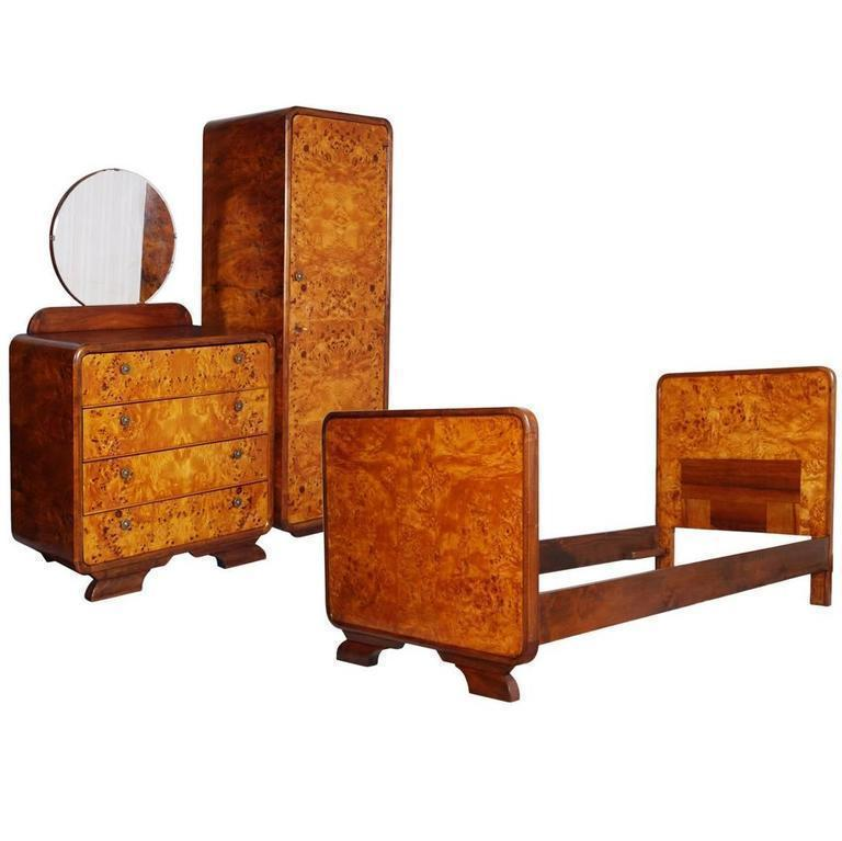 Art Deco Bedroom Set By Osvaldo Borsani Birch And Walnut Burl Period 1930s Osvaldo Borsani Vinterior
