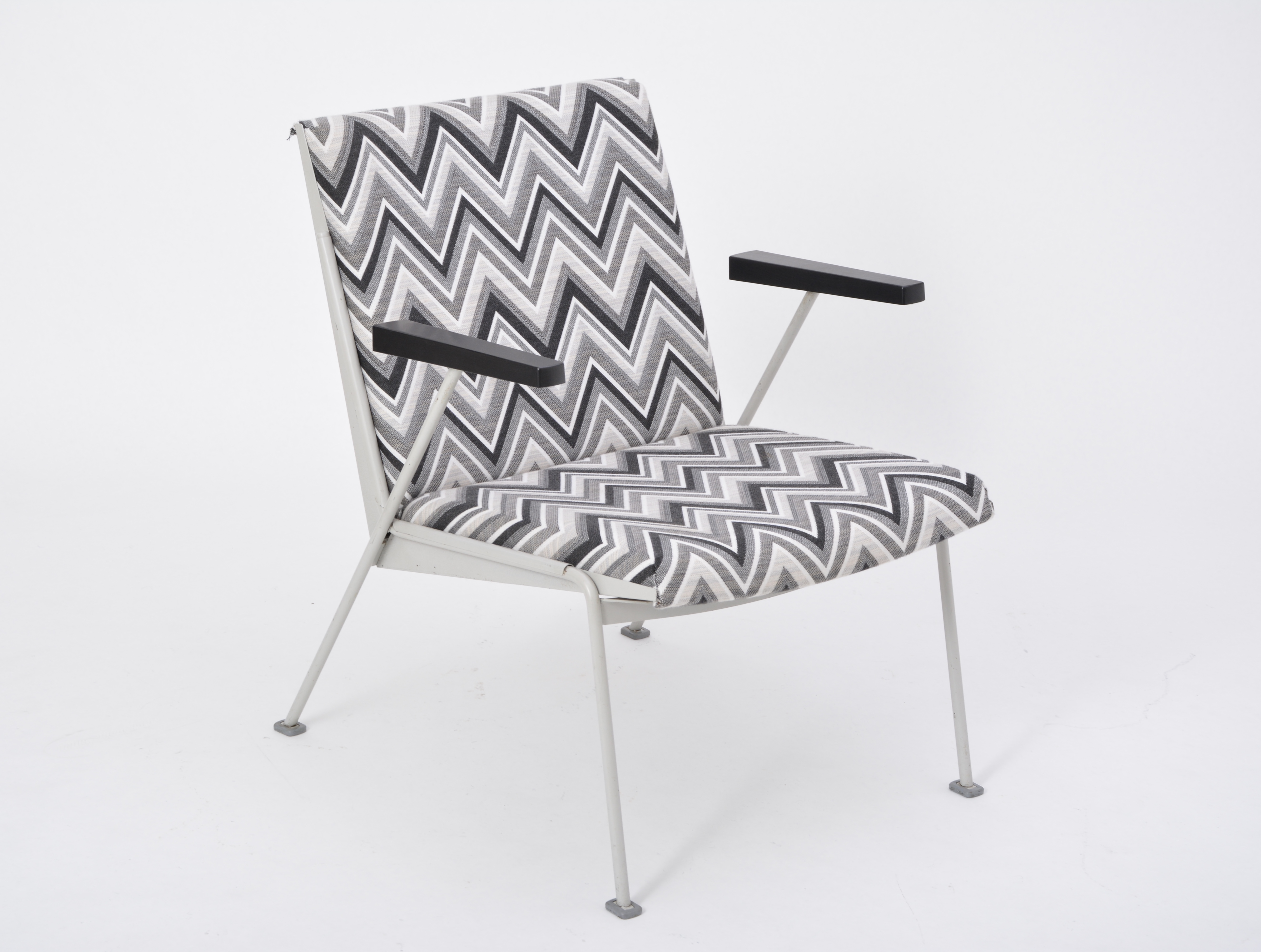 Phenomenal Mid Century Oase Chair In Black And White Zig Zag Pattern By Wim Rietveld For Ahrend De Cirkel Short Links Chair Design For Home Short Linksinfo