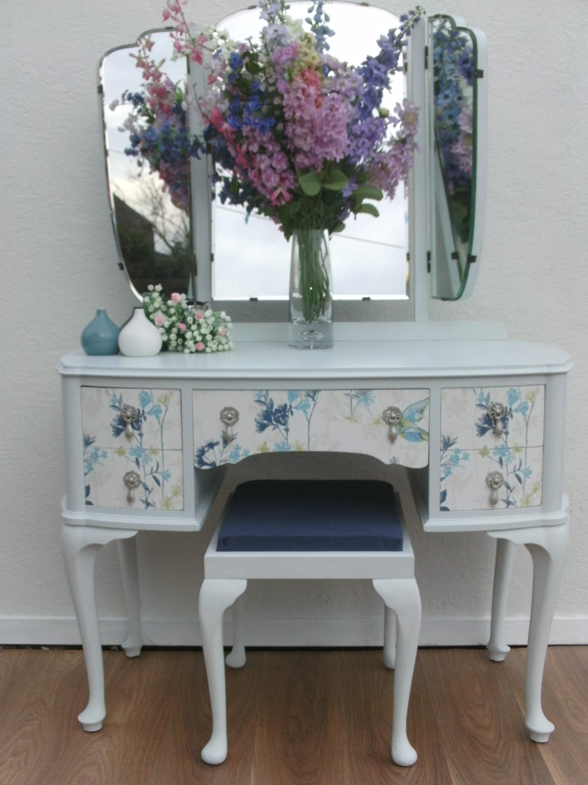 Dressing Table With Mirror And Stool: Vintage Dressing Table Mirrors And Stool.