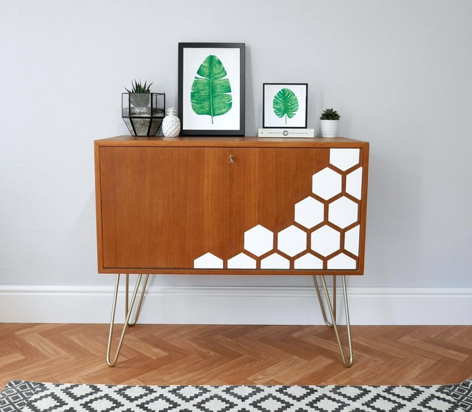 Mid Century Vinyl Record Storage, Upcycled With White Hexagons, Gold Hair Pin Legs & Mint Interior