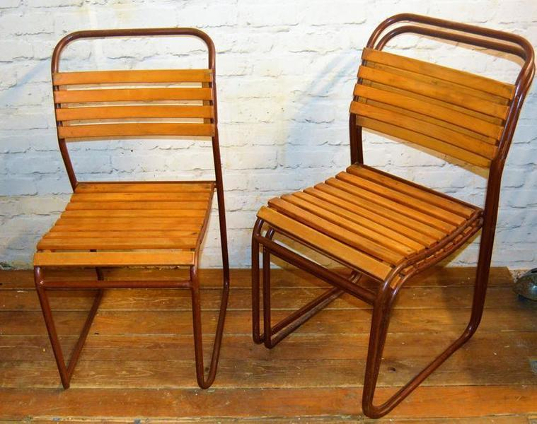 VINTAGE STACKING CHAIRS BAKELITE RED FRAMES RETRO INDUSTRIAL BLACK RED SEATS