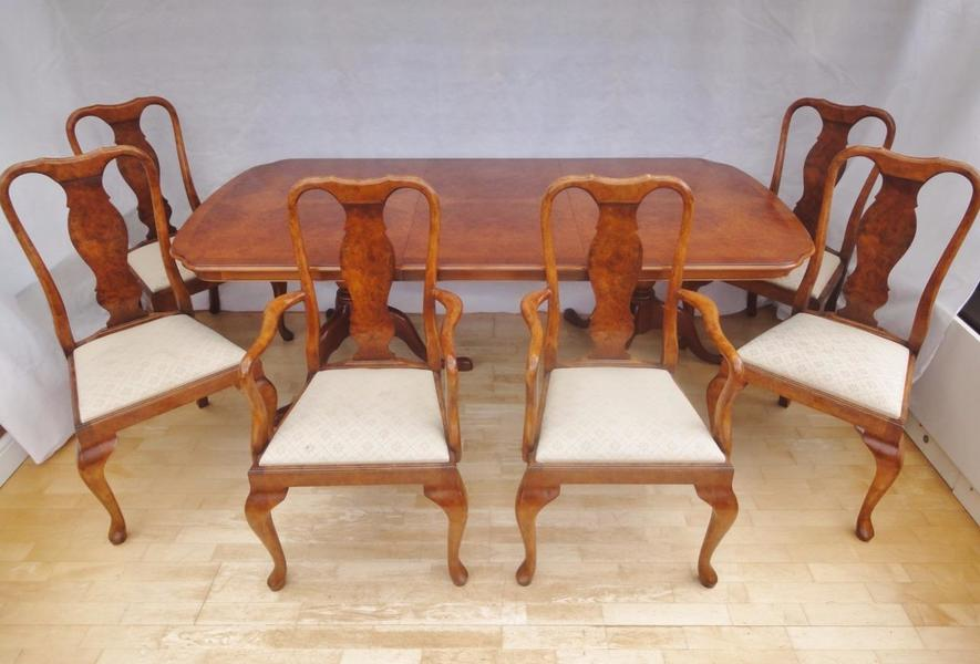 Antique Style Queen Anne Burr Walnut Extendable Dining Table & 6 Matching Chairs