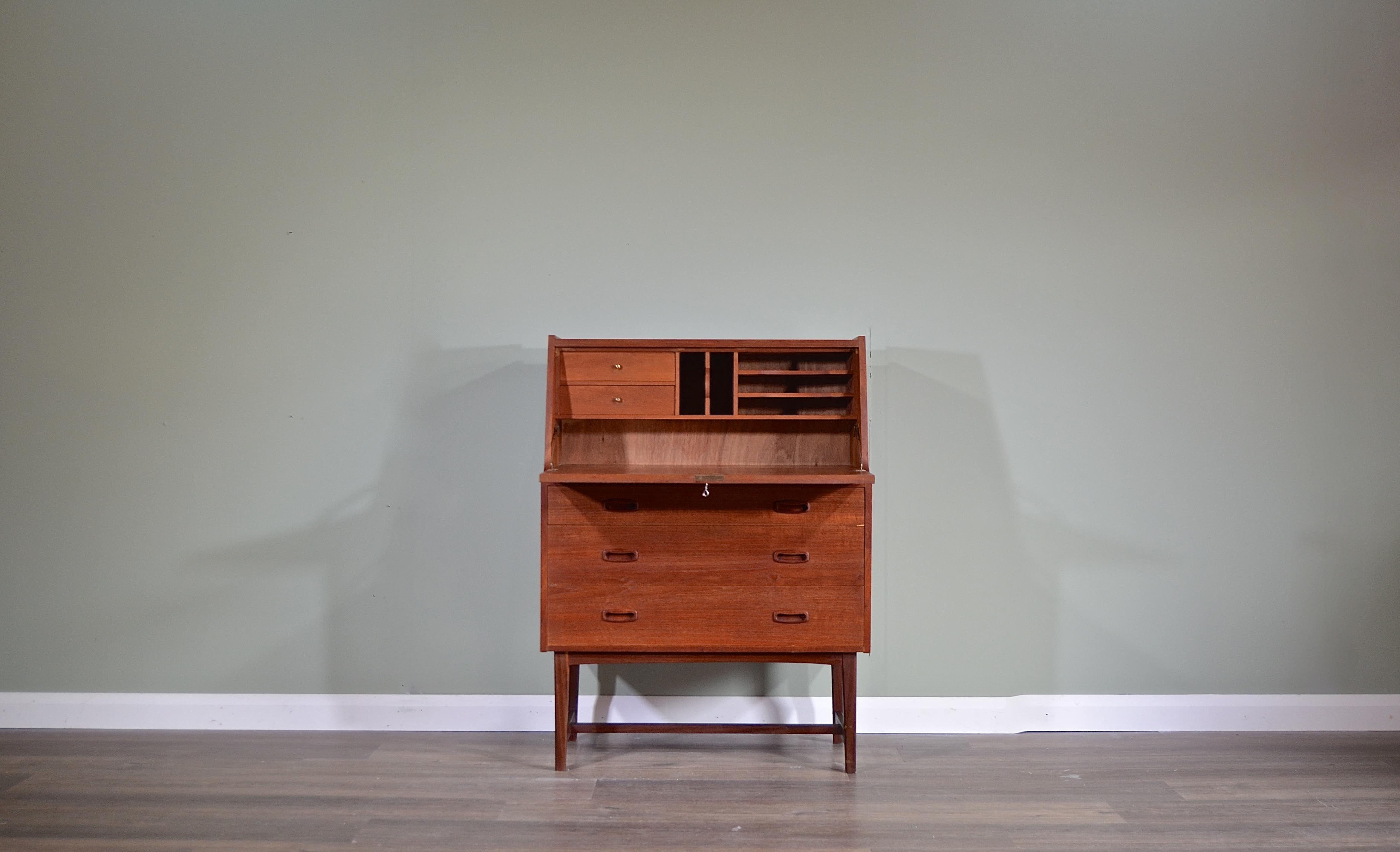 Bureau Retro Design.Vintage Midcentury Danish Teak Bureau Cabinet Desk By Bornholm
