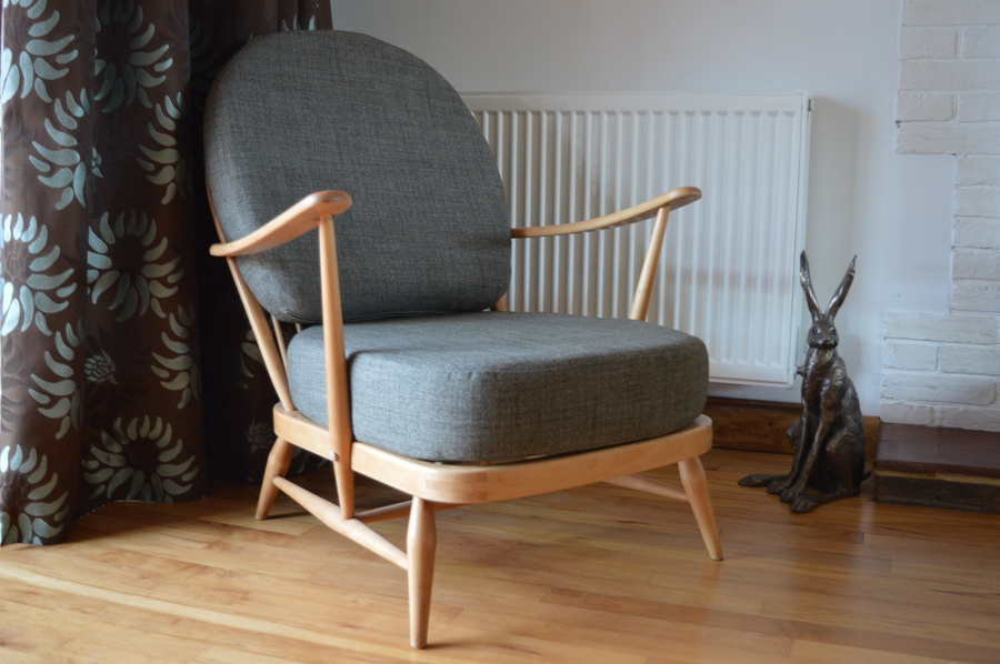 Ercol 203 Windsor Chair In Grey