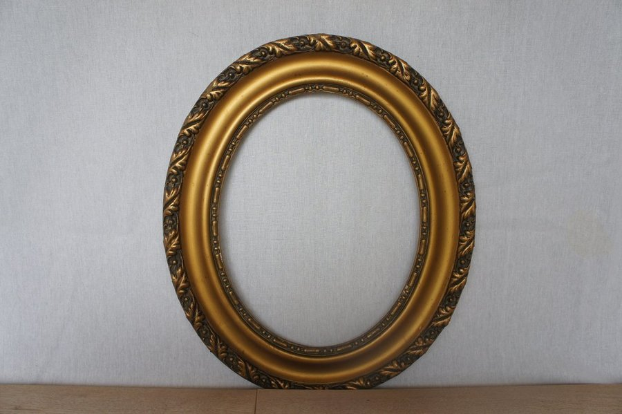 Oval Picture Frame 1930's photo 1