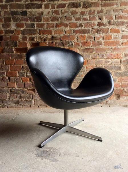 Arne Jacobsen Swan Chair Black Leather For Fritz Hansen 2002 Danish
