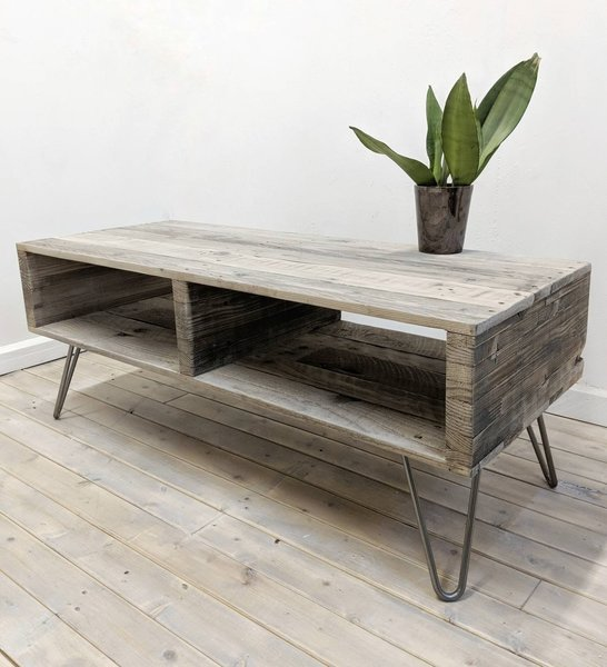 Reclaimed Wood Pallet Coffee Table Turvas In Barnwood Finish With Hairpin Legs