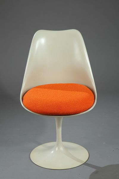 Tulip Chair By Eero Saarinen For Knoll