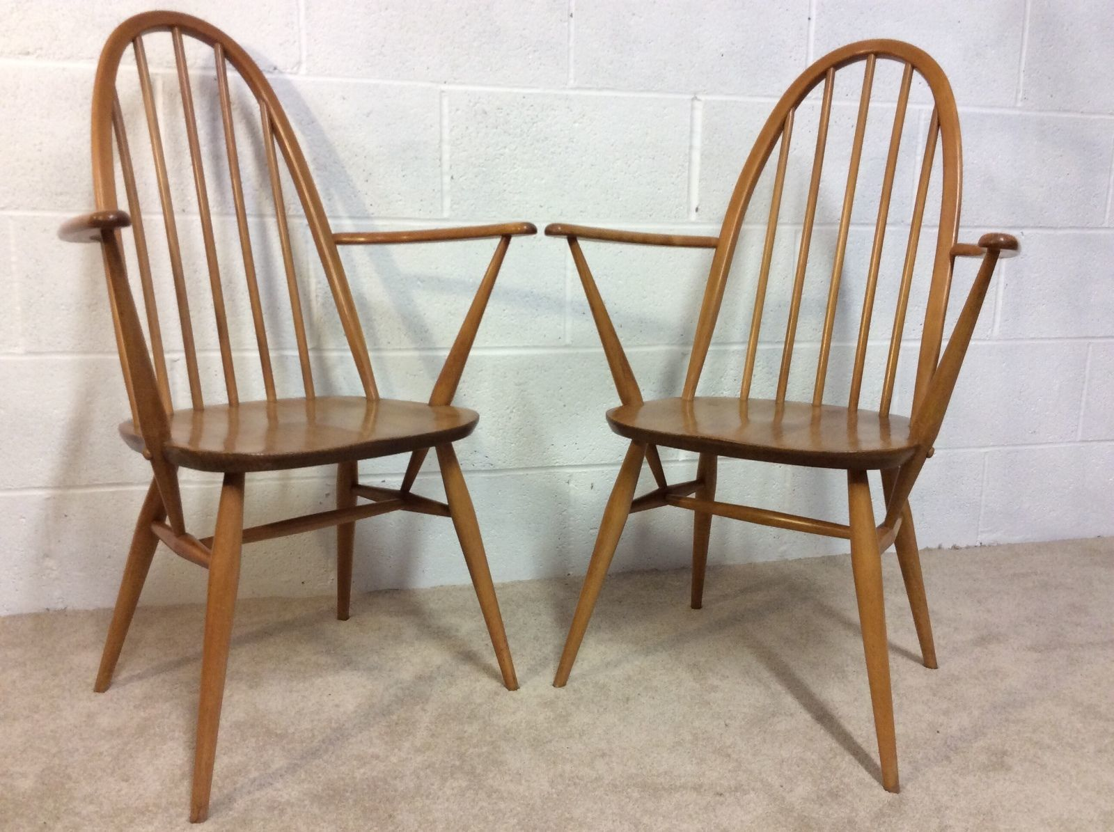 2x Vintage Ercol Quaker Windsor Carver Dining Chairs Model