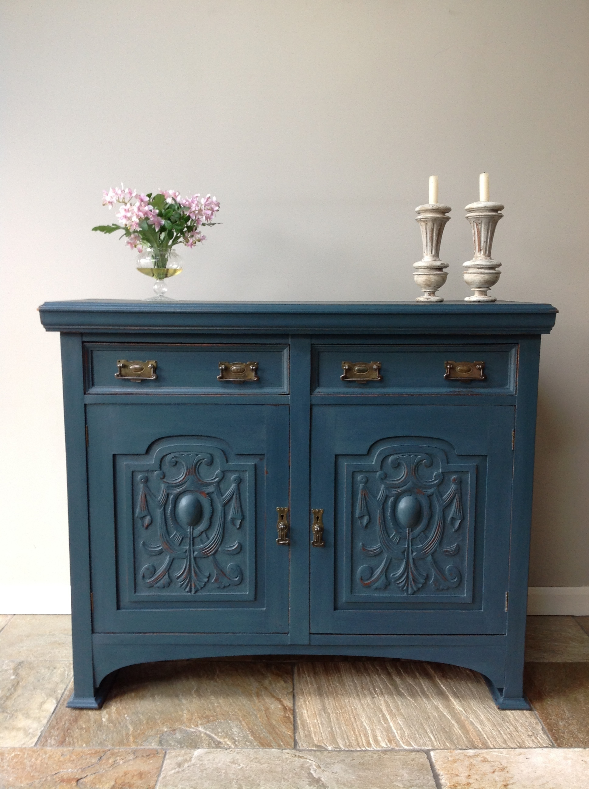 Cupboard Cabinet Sideboard Server