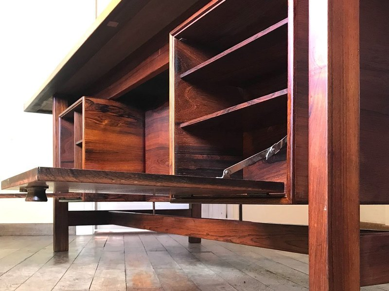 rosewood presidential executive desk with floating top from sigurd hansen 1960s