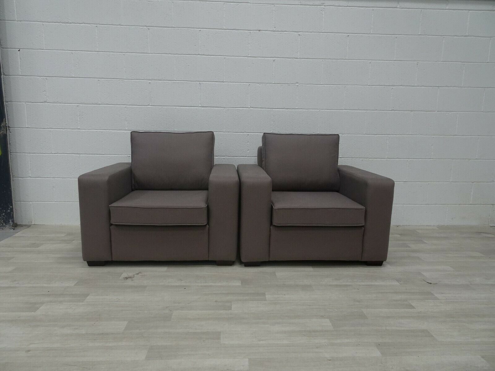 Picture of: Stunning Bespoke Symphony Pair Of Extra Wide Armchairs In Grey Linen Vinterior