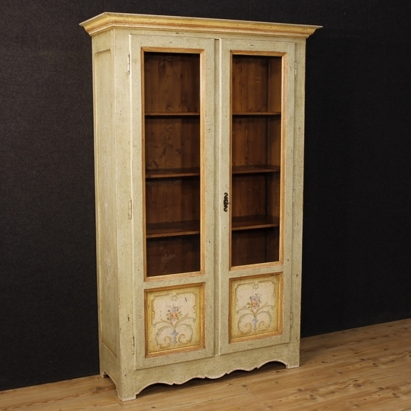 Italian Lacquered And Painted Vitrine With Floral Decorations