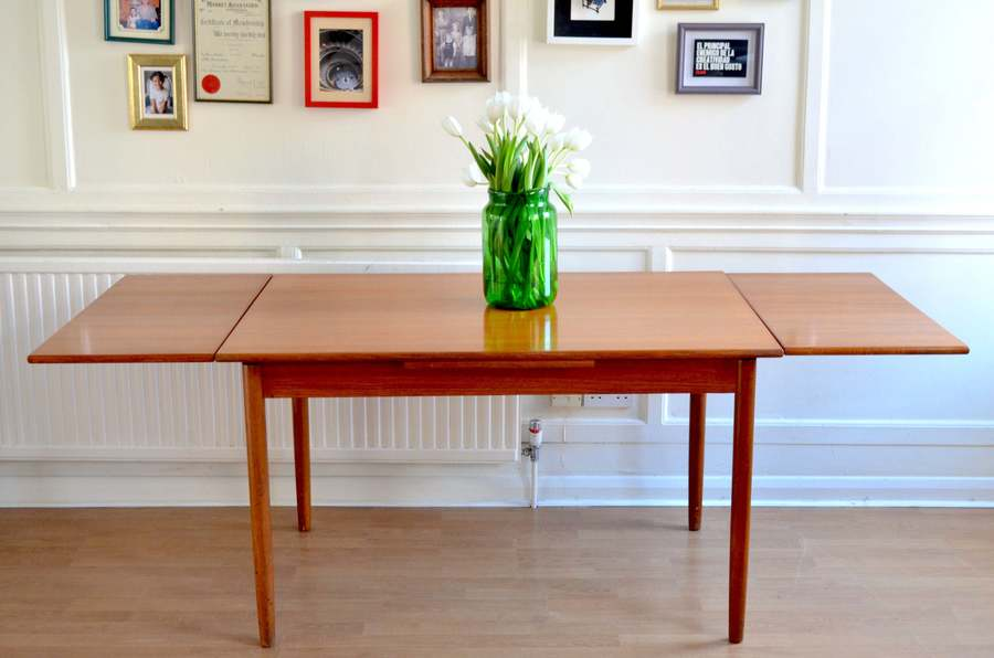 Fantastic Vintage Danish 'Mobler' Extending Teak Table. Delivery. Modern / Midcentury Style.