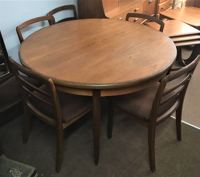G Plan Extendable Teak Table And 6 Chairs   Please See Full Description For Shipping Fees
