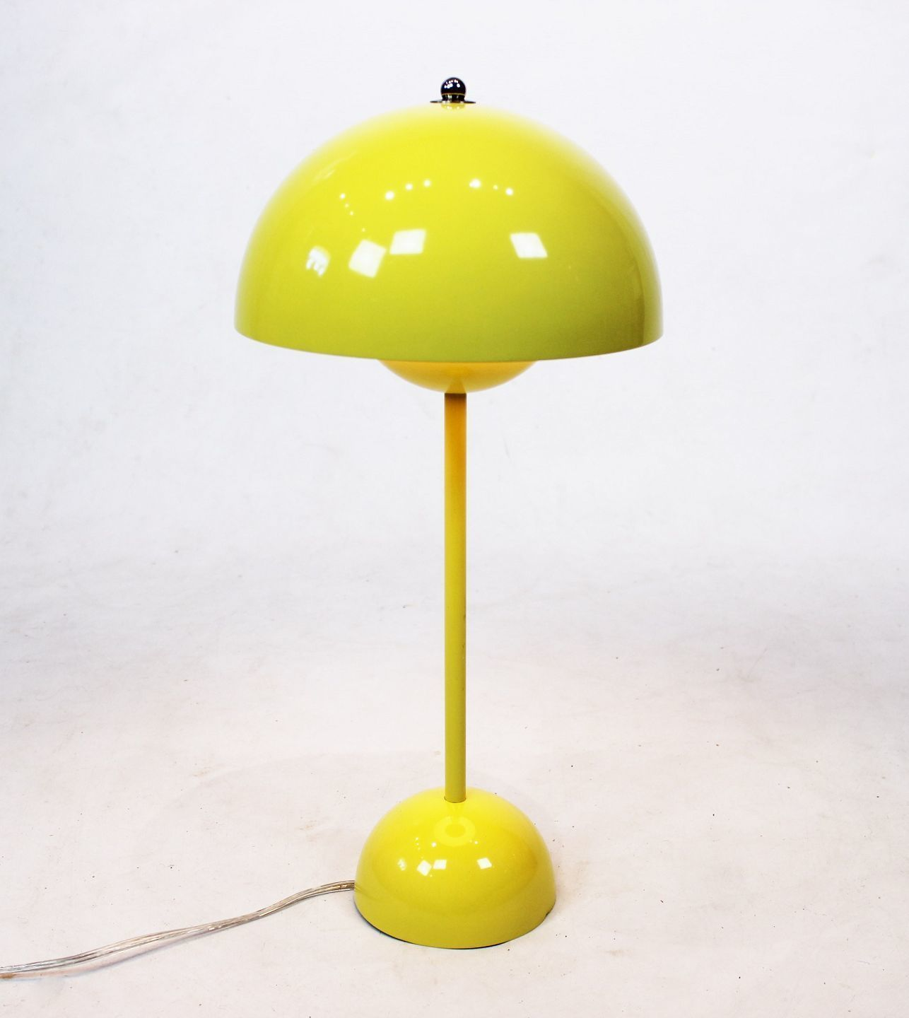 Mid Century Flowerpot Table Lamp VP3