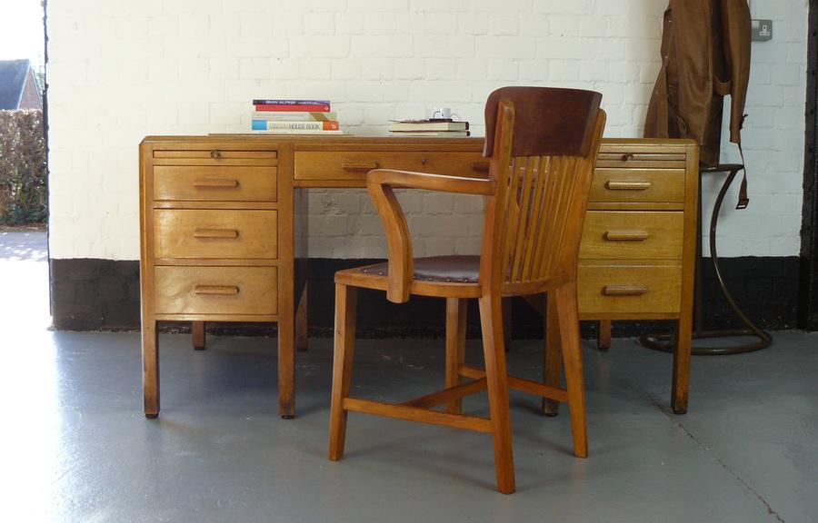 Very Nice 1940 S Simpoles Of Manchester Oak Twin Pedestal Office Desk