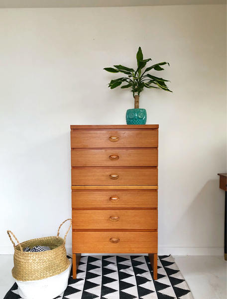 Mid Century Retro Vintage Chest Of Drawers