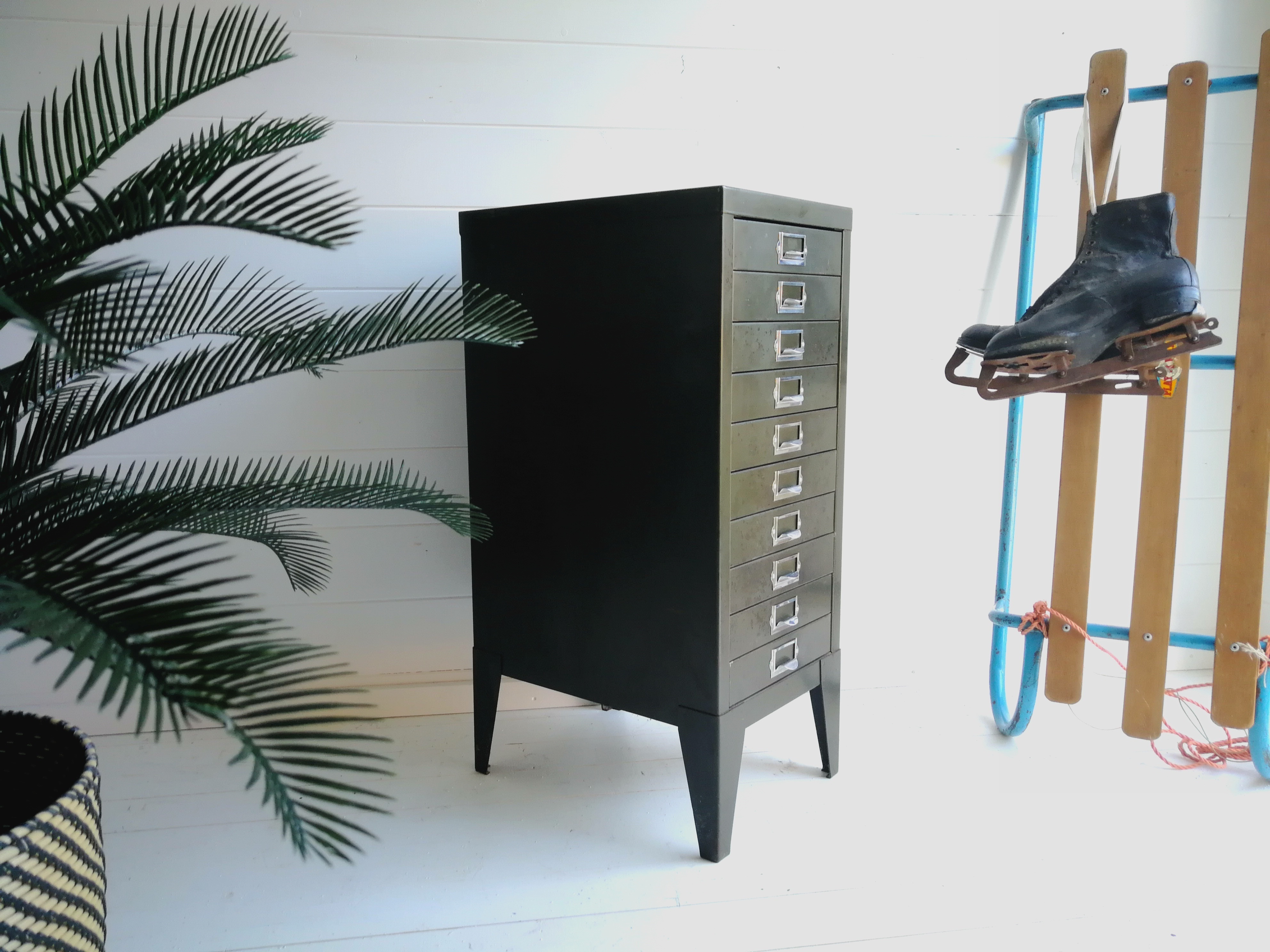 Picture of: Vintage Industrial Office Metal 10 Drawer Filing Cabinet By Stor 1950s Stor Vinterior