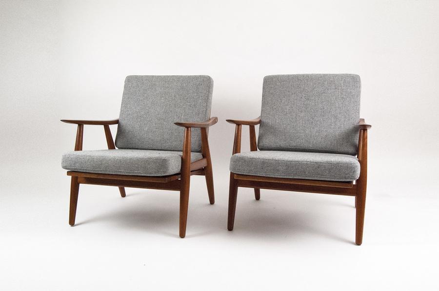Hans J. Wegner Ge 270 Lounge Chairs