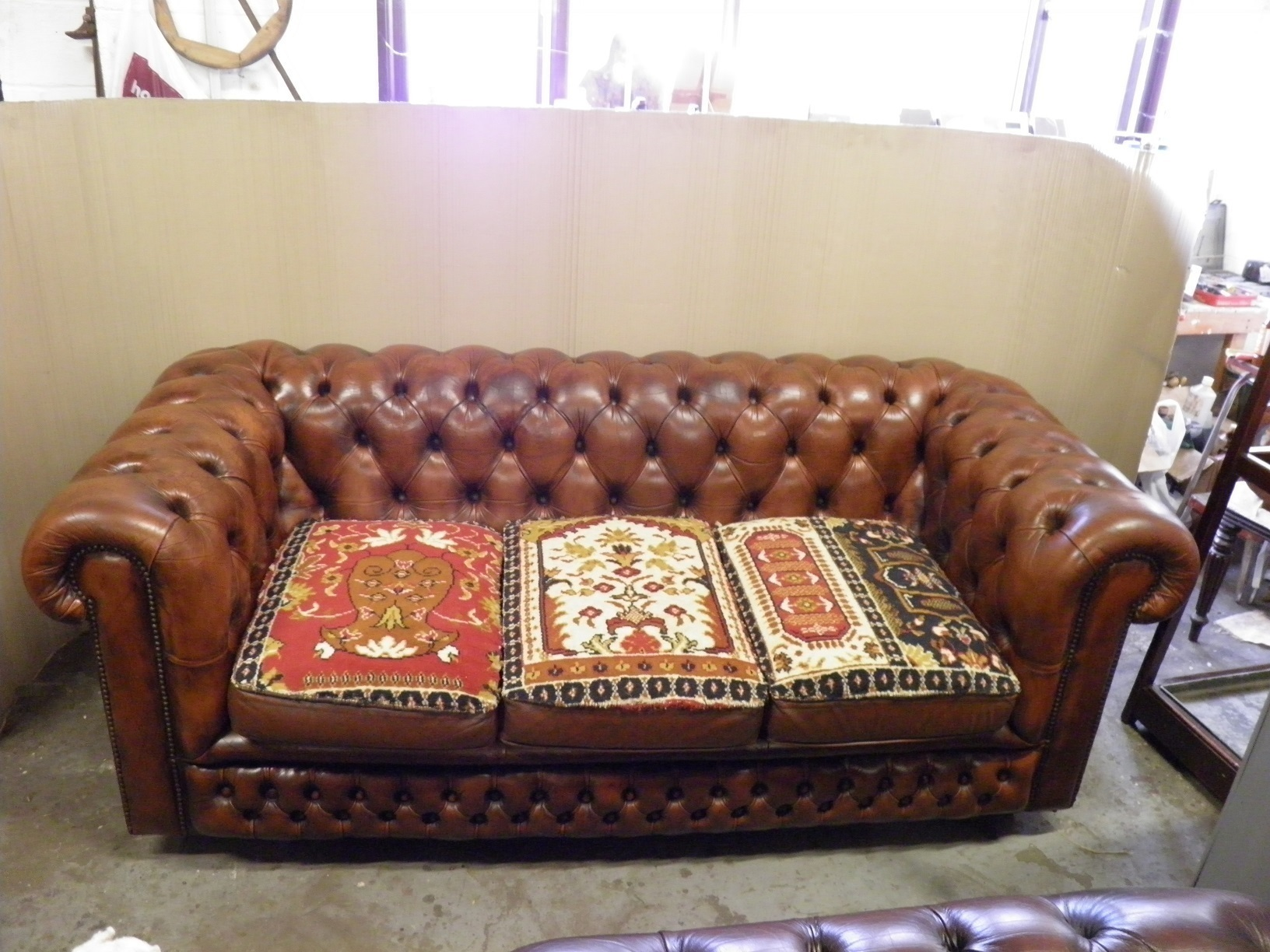 Fabulous Vintage Country House Style Hand Finished Leather Carpet Chesterfield Sofa Caraccident5 Cool Chair Designs And Ideas Caraccident5Info