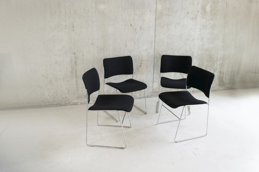 Set Of 4 Iconic Howe 40/4 Chairs By David Rowland In Black Fabric