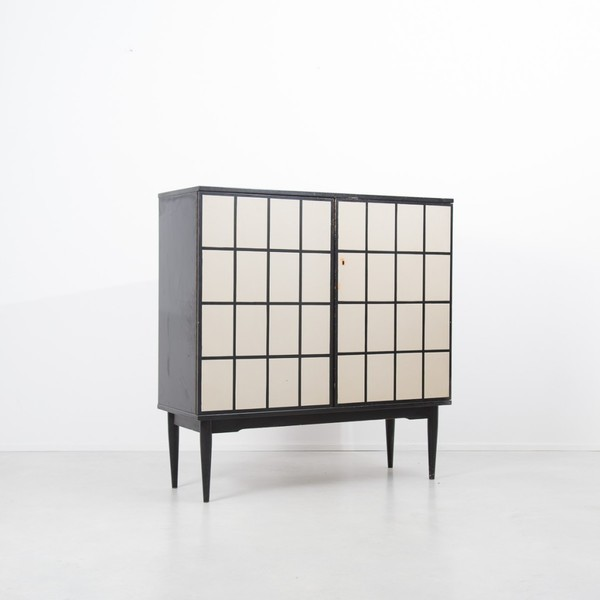 Dutch Checked Drinks Cabinet