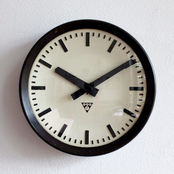 Bakelite Pragotron Station Clock, 1960s
