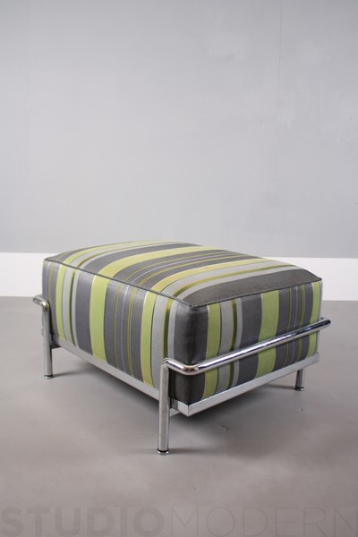 Le Corbusier Cassina Ottoman photo 1