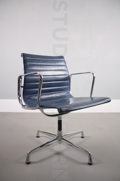 Vitra Charles & Ray Eames Ea108 photo 1
