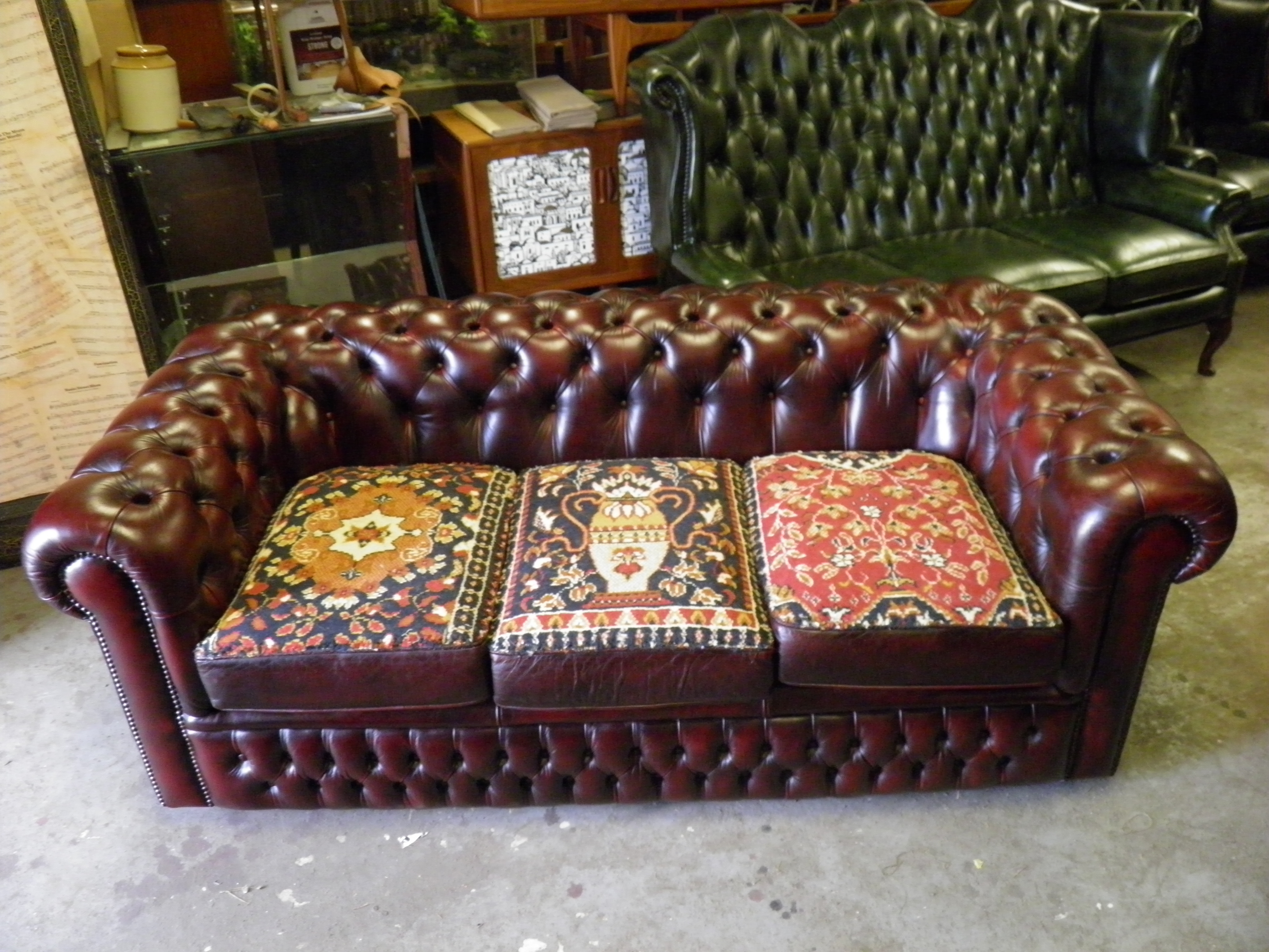 Prime Vintage Country House Style Leather Chesterfield Sofa With Carpet Cushions Caraccident5 Cool Chair Designs And Ideas Caraccident5Info